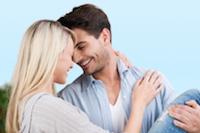 Verliefd stel op eerste date (dankzij deze datingtips)