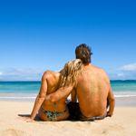Stel op het strand (Flirttips voor de vakantie)