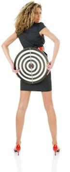 Vrouw met dartboard - Leiden om te verleiden!