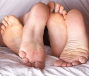 Vrijend stel met het vrouwelijk orgasme