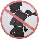 Fictief verkeersbord: Geen borsten van vrouwen aanraken