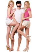 Een player met 2 vrouwen (voorbeeld van vrouwen te versieren)